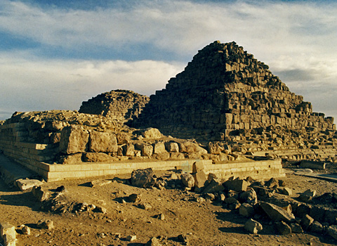 Pyramids of Khufu's Queens