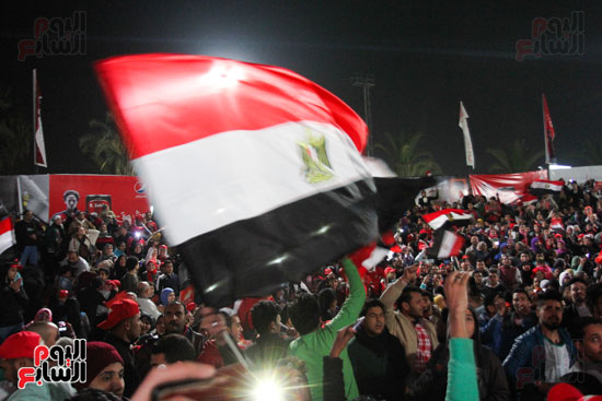 Egyptian fans cheering their team in Egypt during the CAF final match of 2017 Youm7