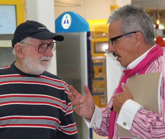 Councils Corporate Compliance Officer Peter Brack Right Chats To A Visitor To