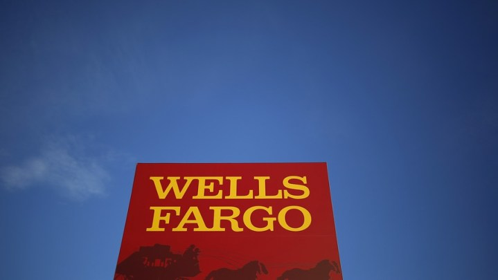 Wells Fargo accidentally foreclosed on more homes   what you should do     A computer glitch at Wells Fargo caused more people to lose their homes