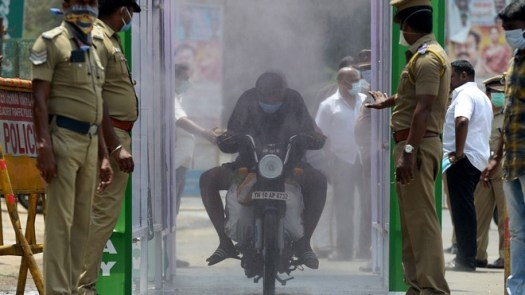 Letter from India: 'Trucks carrying oxygen cylinders are being waylaid and looted' 3