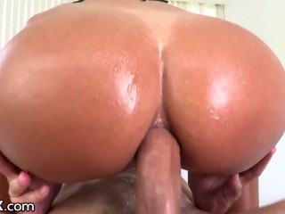 HardX – Big Booty Babe Gets Anal Creampied