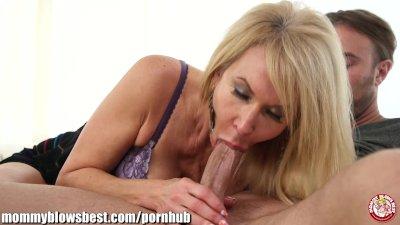 MommyBB Hot mom! Are you devouring a pogo?