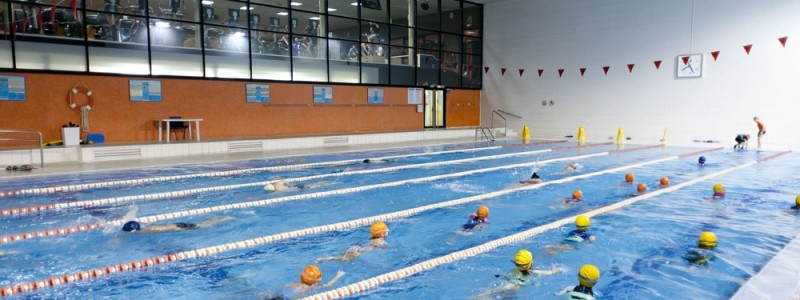 [eiberri.eus] Reabren la piscina de Ermua tras un mes cerrada por la huelga