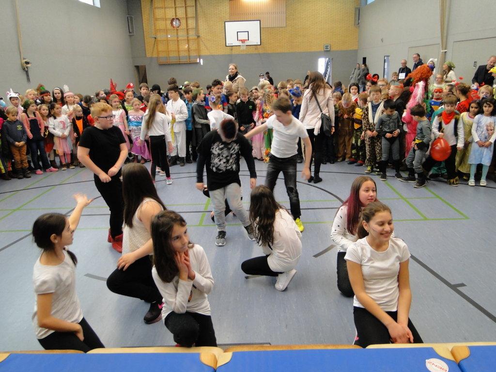 Schulkarneval Eichendorff 2018 (19)