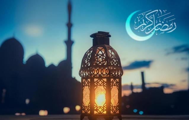 رسائل رمضان كريم للاحباب مسجات رمضان 2021 وأجمل عبارات تهنئة في رمضان عيد ميلاد