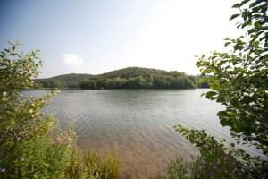 Der Freilinger See, Etappenziel der Wanderungen. Foto: epa
