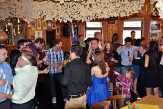 Im Saal Gier feierte das Maigeloog mit dem Königspaar und den Maipaaren einen zünftigen Maiball. (Foto: Reiner Züll)