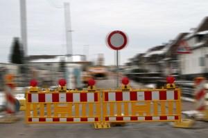 Mehrere Straßen im Kreisgebiet müssen wegen Bauarbeiten für den Verkehr gesperrt werden. Symbolbild: Michael Thalken/Eifeler Presse Agentur/epa