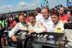 Felix Baumgartner und sein Team vor dem Start. Bild: Reiner Züll