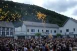 Zur Eröffnung ließ man gelbe Ballons steigen Bild: Josef Wildenberg