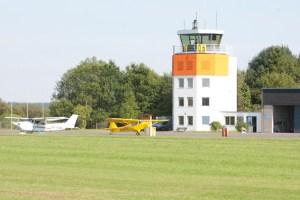 Einen Flugplatz direkt am Firmensitz kann man am Gewerbestandort Dahlemer Binz haben. Bild: Tameer Gunnar Eden/Eifeler Presse Agentur/epa