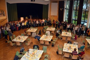 Die Caritas hat alle Helfer zu einem Nachmittag ins Gemünder Kurhaus eingeladen, um sich für die geleistete Arbeit zu bedanken. Bild: Arndt Krömer