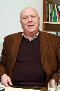 Prof. Dr. Wolfgang Schumacher, ehemaliger Leiter der Abteilung Geobotanik und Naturschutz der Landwirtschaftlichen Fakultät der Uni Bonn, wurde die Felix Freiherr von Loe-Terporten-Plakette des Rheinischen Landwirtschafts-Verbandes (RLV) verliehen. Archivbild: Michael Thalken/Eifeler Presse Agentur/epa
