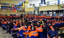 Zum Beginn des Wettbewerbs war die Aula der Hauptschule bis auf den letzten Platz besetzt. Foto: Reiner Züll