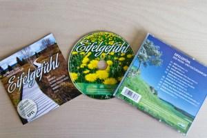"""Einen Abriss über Kulturschaffende in der Eifel bietet die CD """"Eifelgefühl"""" durch ein 24-seitiges Booklet und zehn Lieder. Foto: Tameer Gunnar Eden/Eifeler Presse Agentur/epa"""