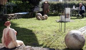 Zahlreiche Kronenbuirger öffnen wieder ihre Häuser und Gärten für die Kunst- und Kulturtage. Bild: Michael Thalken/Eifeler Presse Agentur/epa