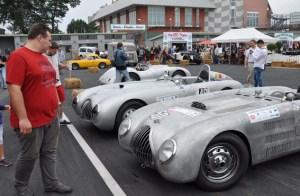 Im historischen Fahrerlager waren viele automobile Schätzchen zu bewundern.  Foto: Reiner Züll
