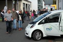 """Viel Andrang herrschte beim regionalen Energiedienstleister """"ene"""". Bild: Michael Thalken/epa"""
