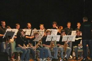 Den zweiten Teil des Konzertes bestreitet die Big-Band der Musikschule. Bild: Musikschule Schleiden