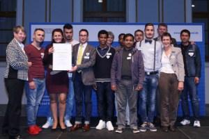 """Das Betreuungsprojekt der Schleidener Flüchtlingshilfevereins """"Regenbogen"""" wurde jetzt von Bundesministerin Dr. Barbara Hendricks gewürdigt. Bild: Bundesministerium für Umwelt, Berlin"""