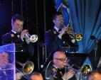 Peter Blum (rechts), Dirigent der Kaller Musikkapelle, ist in der Bundeswehr-Bigband einer der vier Trompeter. Foto: Reiner Züll