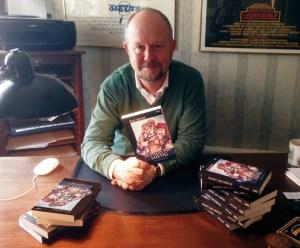 Krimiautor Ralf Kramp legt einen neuen Band voll mit mörderischen Geschichten vor. Bild: KBV