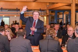 Nach Bekanntgabe des Wahlergebnisses bedankte sich Klaus Voussem bei den Parteimitgliedern für ihre Unterstützung. Bild: David Dreimüller