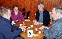 Mit dabei auch Berthold Jansen (2. v. rechts), der Kassierer des Vereins zur Erhaltung der Gasststätte Gier. Foto: Reiner Züll
