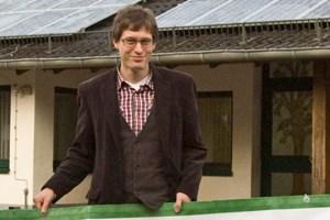 """Michael Petereit von """"LS-Solar Energetische Gesamtkonzepte"""" will über Eigenverbrauch von Solarstrom informieren. Bild: Tameer Gunnar Eden/Eifeler Presse Agentur/epa"""