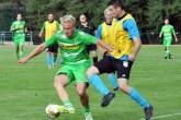 Borussia-Stürmer Mike Hanke (links) war in Mechernich der gefährlichste Angreifer. Der Ex-Nationalspieler kickte von 2011 bis 2013 für den Bundesligisten Mönchengladbach und schoss in 77 Spielen 13 Tore. Foto: Reiner Züll