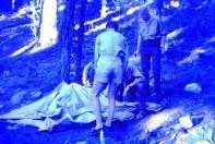 Nach dem Überfall der Wildschweinrotte blieb vom Vorratszelt der Kaller Scouts nicht viel übrig. Repro: Reiner Züll