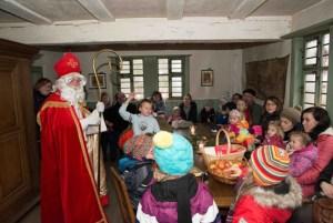 Traditionell kommt der Nikolaus ins Kommerner LVR-Freilichtmuseum. Foto: Hans-Theo Gerhards/LVR