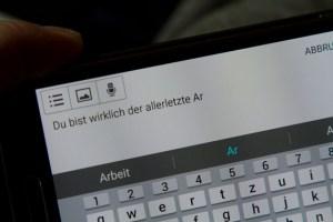 Laut Experten nehmen Hetze und Hass im Netz zu. Symbolbild: Tameer Gunnar Eden/Eifeler Presse Agentur/epa