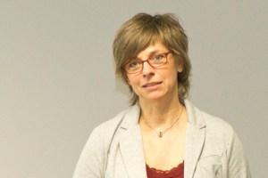 Dorothea Gehlen ist Expertin bei der Caritas-Schuldnerberatung. Bild: Tameer Gunnar Eden/Eifeler Presse Agentur/epa