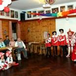 """Im Saal Gier überraschte der KV """"Löstige Bröder"""" sein einziges Ehrenmitglied Willi Hermanns zum 84. Geburstag mit einer Überraschungsparty. Foto: LB"""
