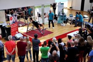 """Zahlreiche Zuschauer verfolgten das Spektakel im Euskirchener Studio """"FitGym24"""". Foto: Reiner Züll"""
