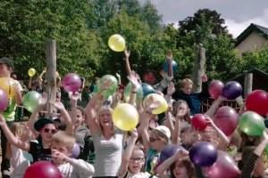 Begeistert machten die Dahlemer Kinder beim Videodreh mit. Foto: Mumukuba