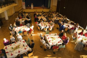 Knapp 120 Ehrenamtler kamen im Kurhaus zusammen. Die Caritas Eifel hatte für sie eine Dankesfeier arrangiert. Bild: Arndt Krömer