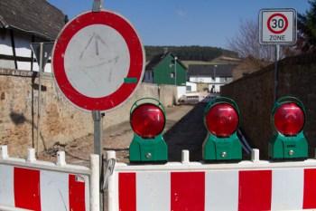 Bei den Baustellen sollen Umleitungen großräumig ausgeschildert werden. Symbolbild: Tameer Gunnar Eden/Eifeler Presse Agentur/epa