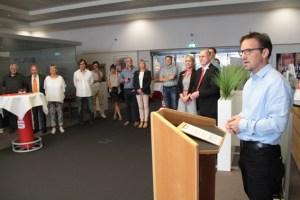 Innungsvorstandsmitglied Arno Müller übernahm erneut die Moderation der Preisvergabe. Bild: Michael Thalken/Eifeler Presse Agentur/epa