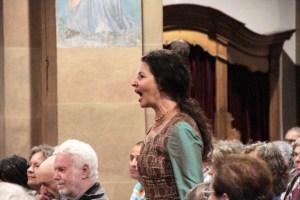 Schirin Partowi, Sängerin und künstlerische Leiterin des Ensembles, überzeugte mit ihrem leidenschaftlichen Gesang. Bild: Michael Thalken/Eifeler Presse Agentur/epa