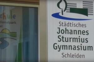 Der Schulbetrieb am Johannes-Sturmius-Gymnasium soll bereits am Mittwoch wieder aufgenommen werden. Symbolbild: Tameer Gunnar Eden/Eifeler Presse Agentur/epa