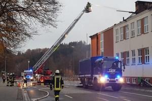 Beim Großeinsatz der Feuerwehr am Städtischen Johannes-Sturmius-Gymnasium sorgte das THW Schleiden für die Ausleuchtung des Einsatzgebiets. Bild: Daniel Schwarzer