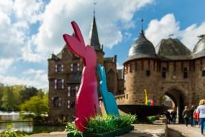 Zu Ostern lockt die Burg Satzvey wieder mit einem bunten Ostermarkt. Bild: Der Fotoschmied/Mike Göhre