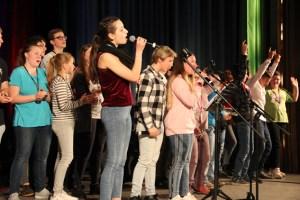 Live im Kulturkino Vogelsang IP: Junge Musikerinnen und Musiker bei der Music School Tour 2019. Bild: Alexander Barth