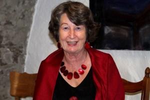 Maryanne Becker liest bereits zum vierten Mal in der Galerie Eifel Kunst. Bild: Marita Rauchberger