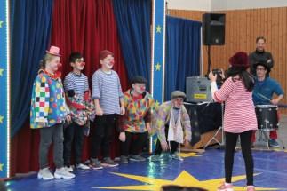 Natürlich durften auch die Clowns in der Manege nicht fehlen. Bild: Michael Thalken/Eifeler Presse Agentur/epa