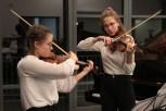 Bereits eine Extraklasse für sich: Julia Peintinger und Klara Engels. Bild: Michael Thalken/Eifeler Presse Agentur/epa