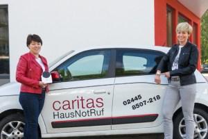 Helena Fast und Brigitte Dovern sind für den HausNotRuf bei der Caritas zuständig. Bild: Arndt Krömer